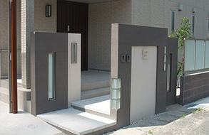 ガラスブロックを使った門柱・フェンス|弥富市