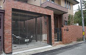 レンガの洋風な外構・車庫・門柱|名古屋市東区